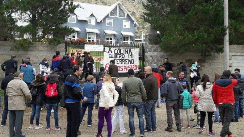 Los damnificados de La Colina esperan hoy  tener respuesta por los terrenos que compraron
