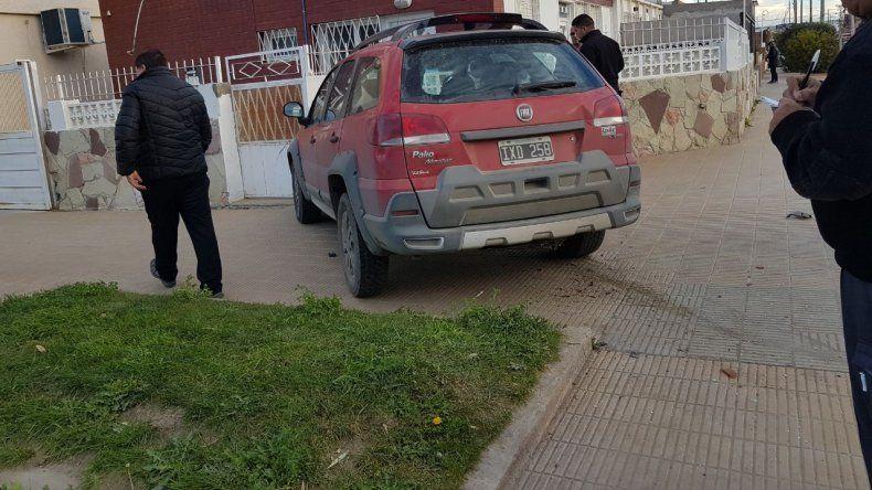 Chocó y casi entra con el vehículo a una vivienda