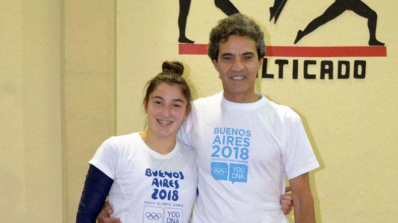 Cielo Lupi y su entrenador Waldo Domínguez.