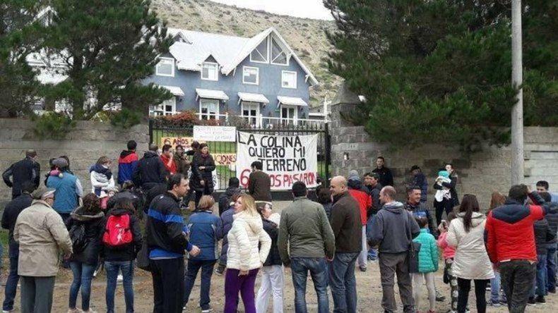 Le exigen solvencia económica a La Colina para lotear