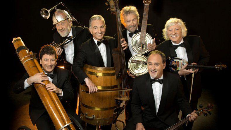 El reconocido grupo Les Luthiers celebra 50 años de humor.