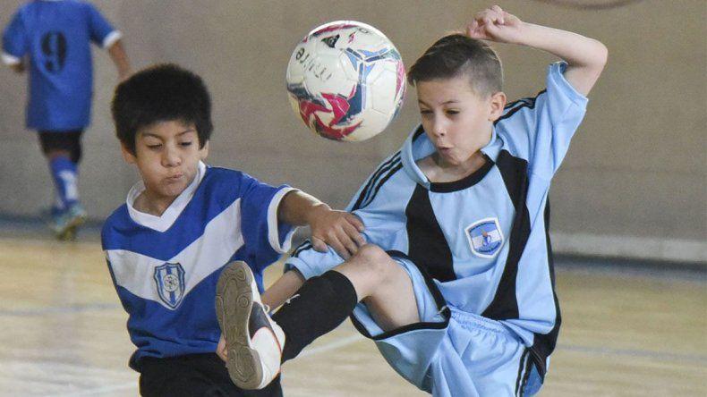 Los más chicos comienzan a jugar una nueva edición del torneo de fútbol de salón infantil que organiza año tras año la CAI.