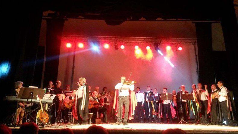El grupo vocal Los Miserables se presentará esta noche en el Teatro Español en el marco del 83º aniversario de la sala.