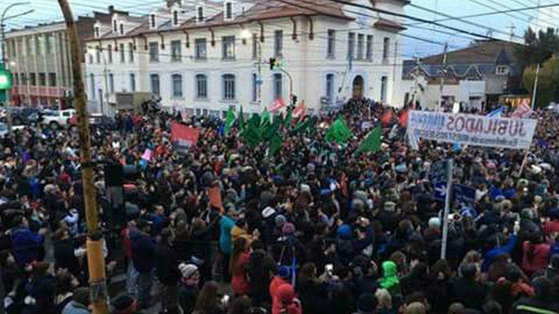 Realizan un Cabildo Abierto en Río Gallegos para analizar la crisis
