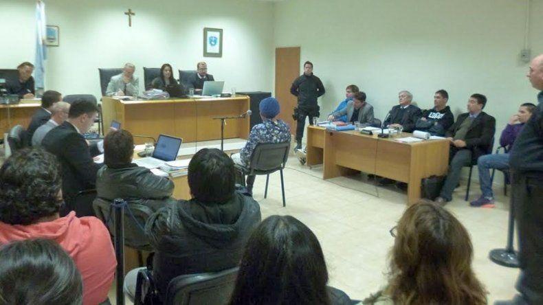 El fiscal Adrián Cabral retiró la acusación contra los tres imputados
