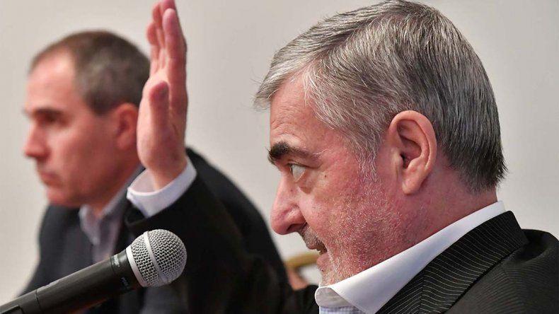 El gobernador Mario Das Neves ratificó la oposición a la central nuclear y dijo que Aranguren es un ministro antipatagonia