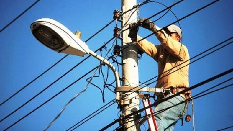 El aumento del servicio eléctrico volvió al Ejecutivo municipal para adecuar las escalas