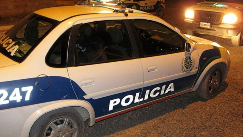 Insultó a policía: tuvo que hacer tareas comunitarias y pagarle un pasaje