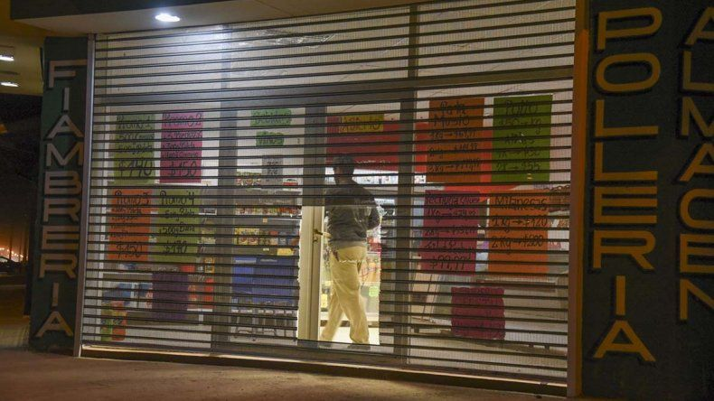 El primer asalto de ayer ocurrió a las 19:20 en una rotisería y fiambrería de La Gaceta de Buenos Aires casi Kennedy.