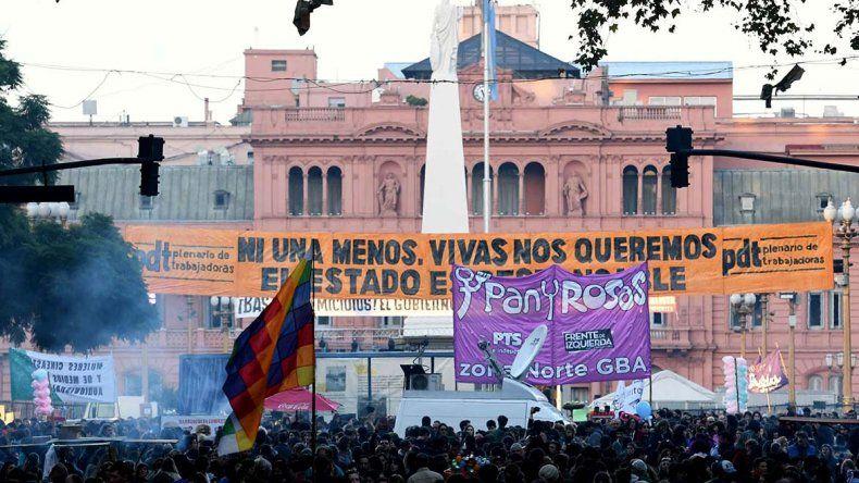 La manifestación marchó desde el Congreso hasta la Plaza de Mayo donde se leyó un documento.