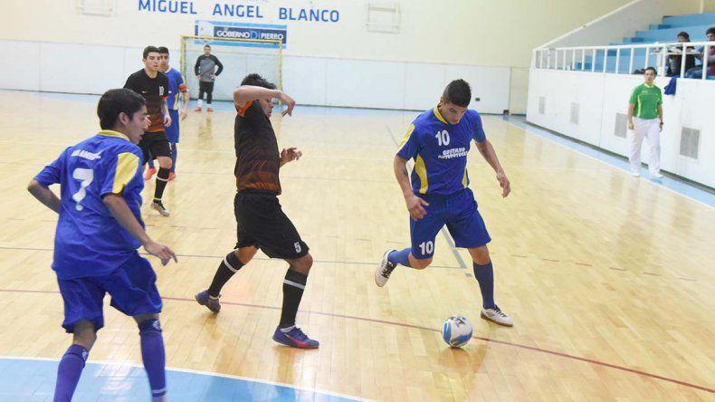 El torneo Apertura de fútbol de salón continuará esta tarde con una nueva fecha.