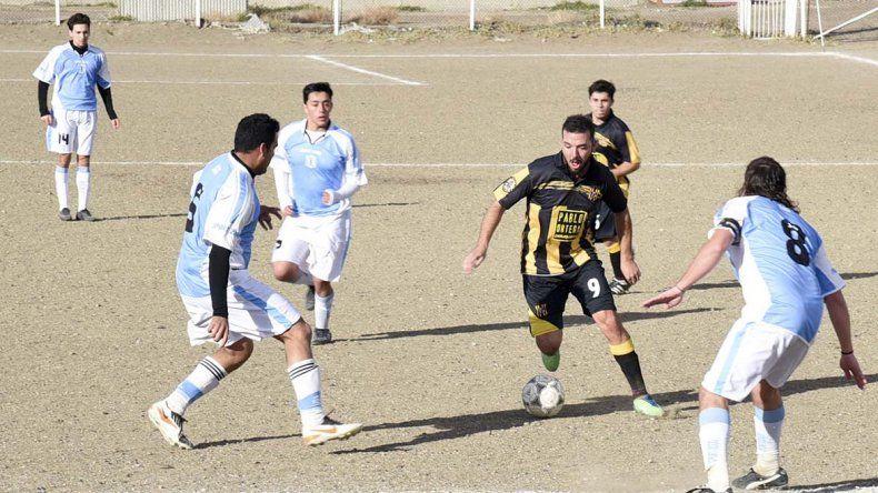 Tiro Federal cerró su participación en el Torneo Amistad con un triunfo por 4 a 2 ante Rada Tilly.