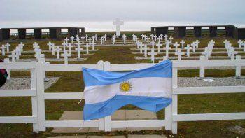 Identificaron a otros tres de los soldados enterrados en el Cementerio de Darwin