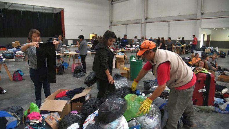 Entregan donaciones que habían quedado en el Predio Ferial