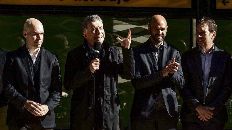 El Presidente encabezó el acto de inauguración del primer tramo del Metrobus del Bajo.