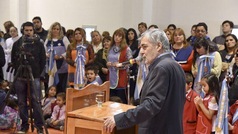 El gobernador Mario Das Neves calificó el subsidio al transporte como un curro