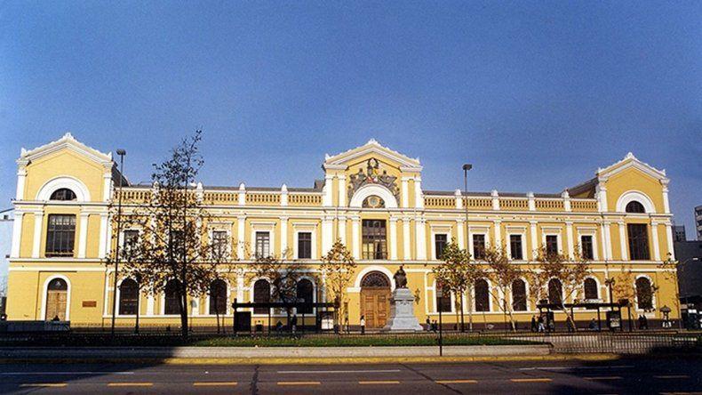 La Justicia prohibió a la Universidad de Chile vender servicios al Estado