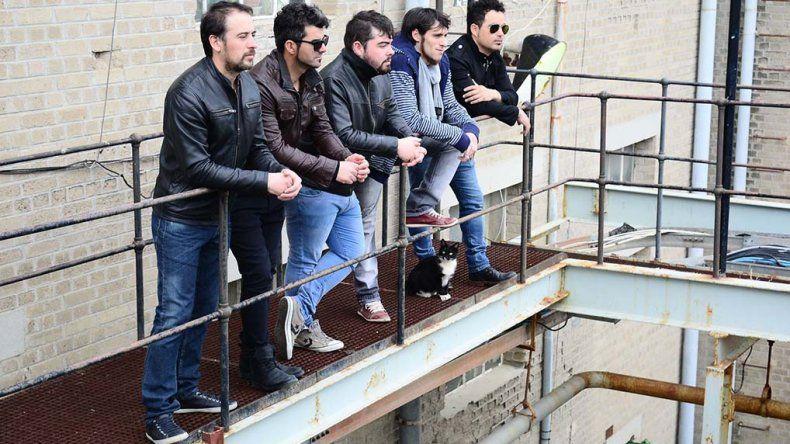 Herederos del Viento continúa promocionando su disco Evolución en los escenarios regionales.