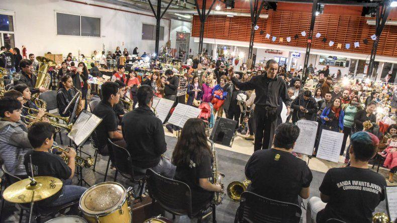 Feria especial Día del Padre en el Centro Cultural