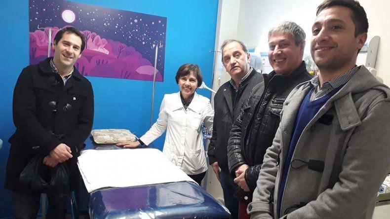 El intendente Carlos Linares visitó ayer junto a funcionarios y concejales la nueva guardia pediátrica de La Española.