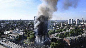 Incendio en la Torre Grenfell: vecinos ya habían alertado por la falta de prevención