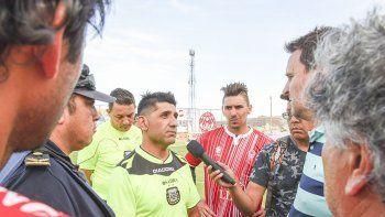 Raúl Pagani el día de la suspensión en el barrio Industrial. Ya está habilitado para dirigir a nivel local.