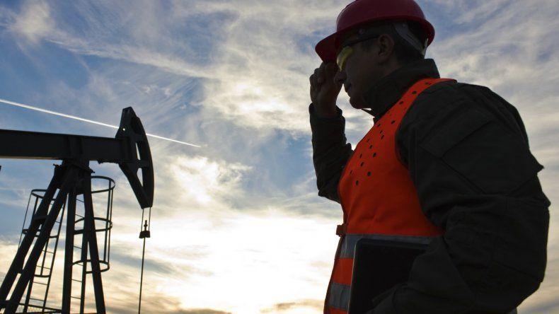 Los petroleros cerraron un acuerdo paritario que incluye un retroactivo