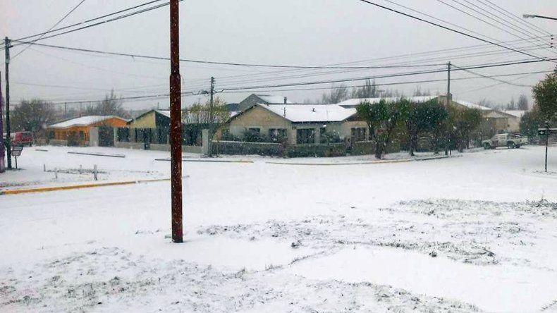 La nieve se adueñó de Río Gallegos