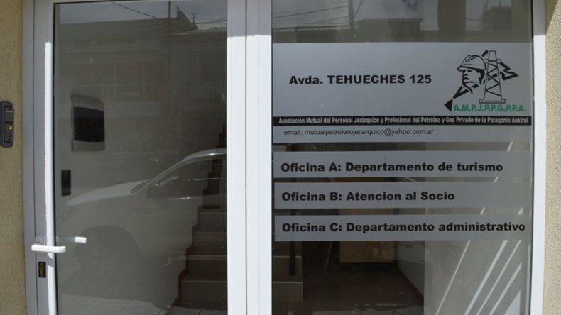 La sede de la mutual de Petroleros Jerárquicos se encuentra en la avenida Tehuelches