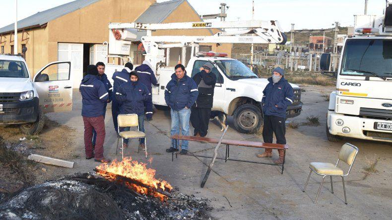 Horas después de que trabajadores de Servicios Públicos bloquearan el acceso al centro distribuidor de energía
