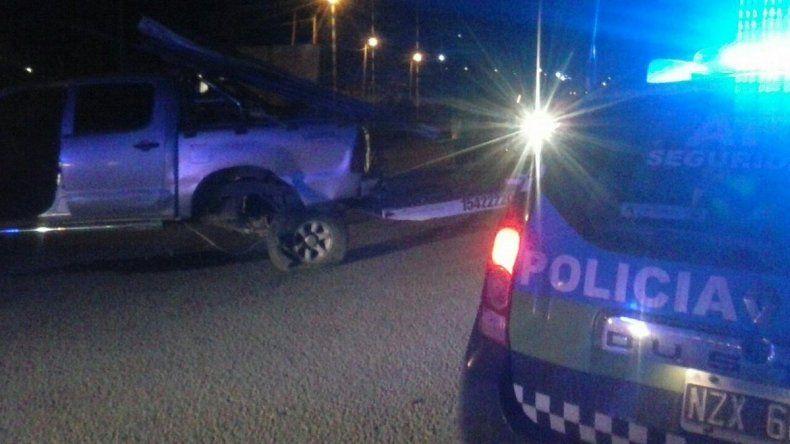 Conducía alcoholizado y chocó a una camioneta en el camino Roque González