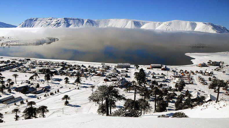 Termas y nieve es uno de los productos turísticos que ofrece Neuquén este invierno.