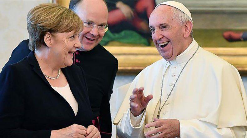 Angela Merkel y el Papa Francisco tuvieron un encuentro cordial.