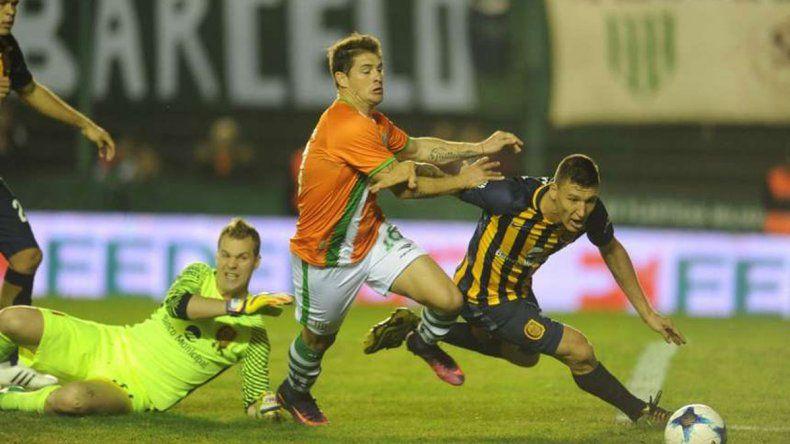Banfield viene de superar a Rosario Central y quiere seguir con chances en el campeonato.