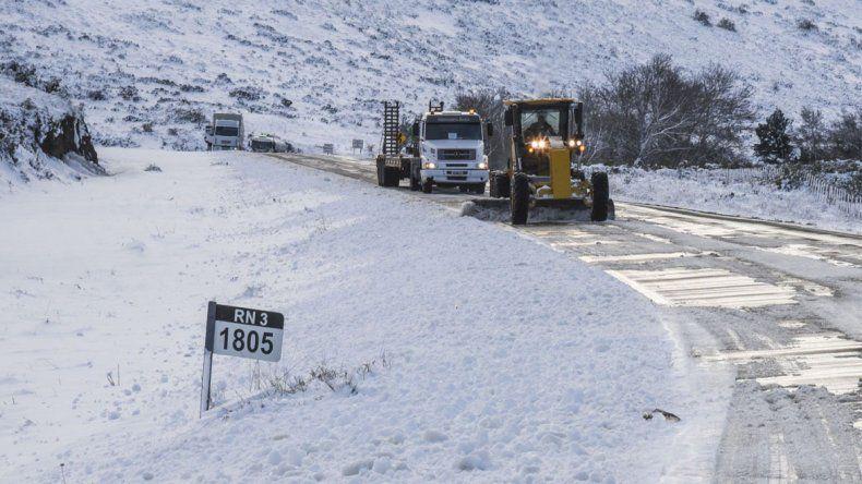 Una de las preocupaciones está concentrada en la conectividad terrestre luego de los cortes de rutas nacionales por nieve y hielo durante los últimos días