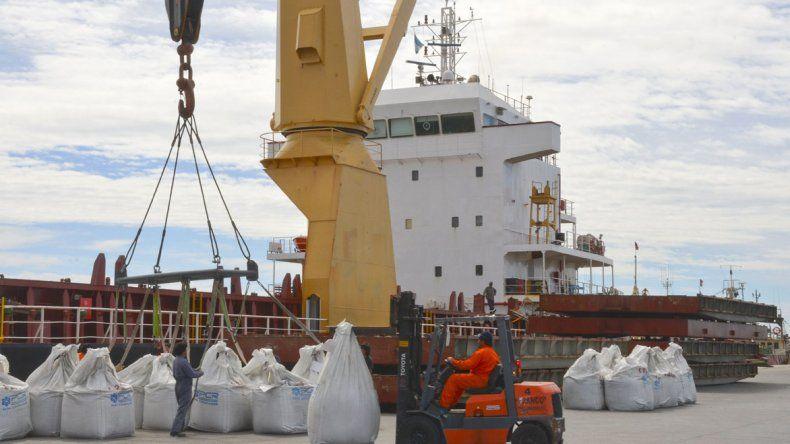 Senadores debaten el rechazo a DNU por los puertos Patagónicos