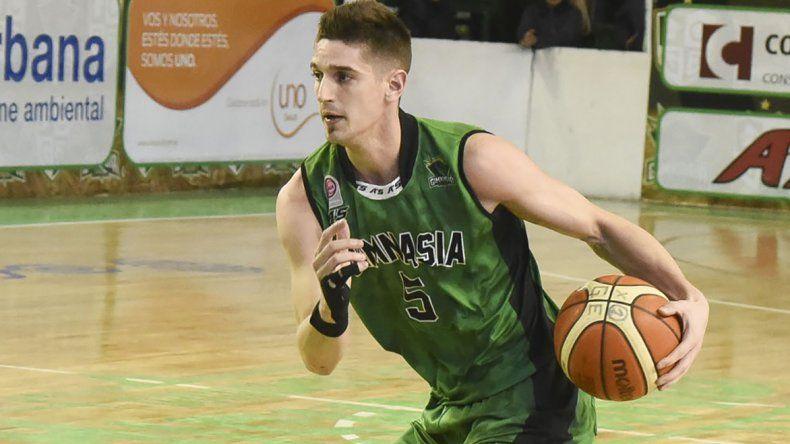 De los Santos jugó 63 partidos para Gimnasia en la última temporada de la LNB.
