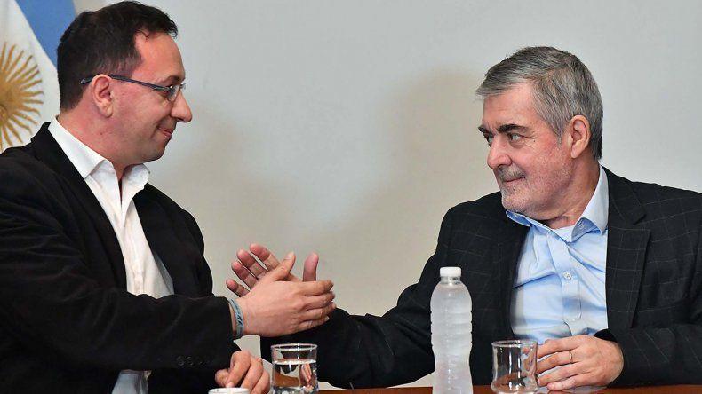 Das Neves compartió actividades ayer con el intendente de Trelew. Luego habló de la convulsionada interna del PJ.