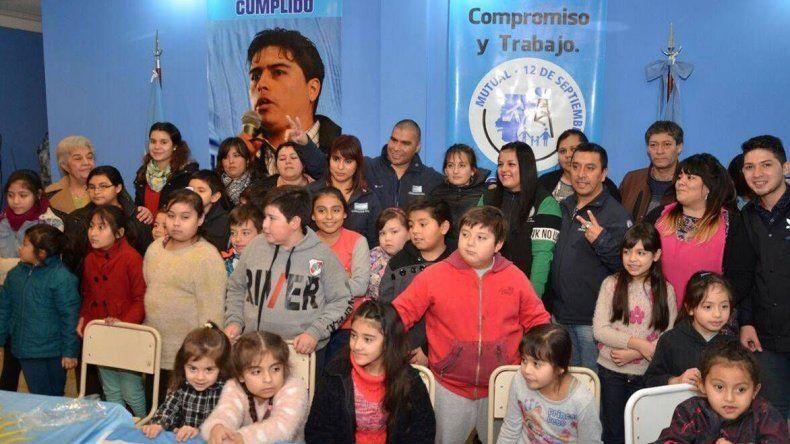Los hijos de trabajadores petroleros de Las Heras ya reciben apoyo escolar a instancias de una iniciativa del gremio.