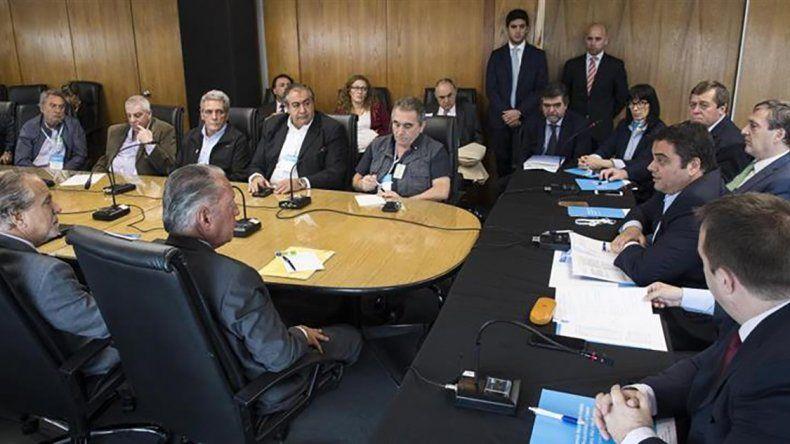 No hubo acuerdo entre sindicatos y Gobierno por el Salario Mínimo Vital y Móvil.