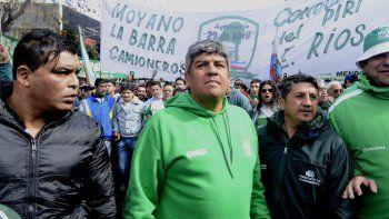 camioneros exigen la reapertura de la discusion salarial