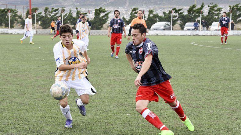 Oeste y Sarmiento vivieron un partido intenso