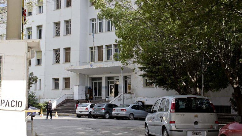 Hoy habrá una reunión por el estacionamiento en el Hospital Regional