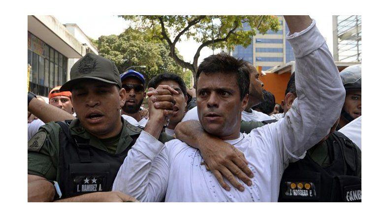 Devolvieron el beneficio de arresto domiciliario a líder opositor Leopoldo López