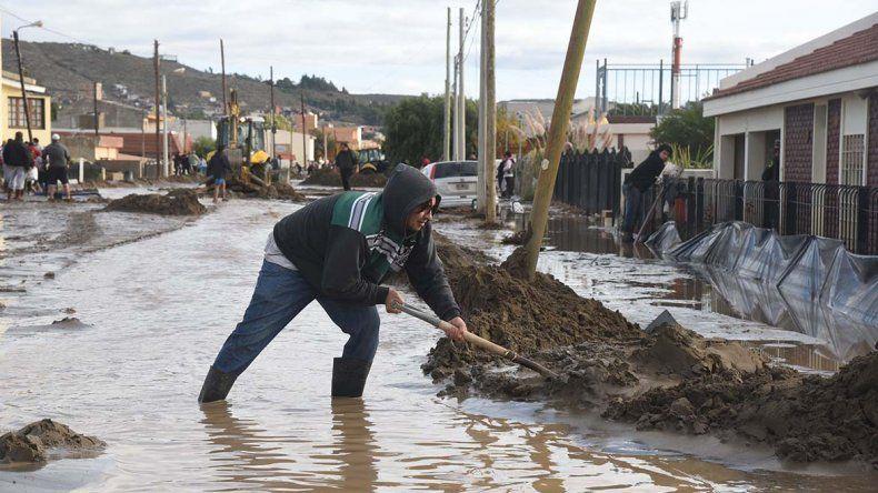Todavía quedan familias evacuadas tras el temporal que castigó a Comodoro entre marzo y abril.