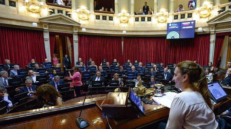 Los senadores de Cambiemos no dieron quórum para evitar que se trate la  eliminación del DNU que dejó sin efecto los reintegros a las  exportaciones a través de puertos patagónicos.