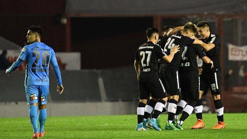 El Rojo le ganó a Deportes Iquique por 4 a 2, en el partido de ida