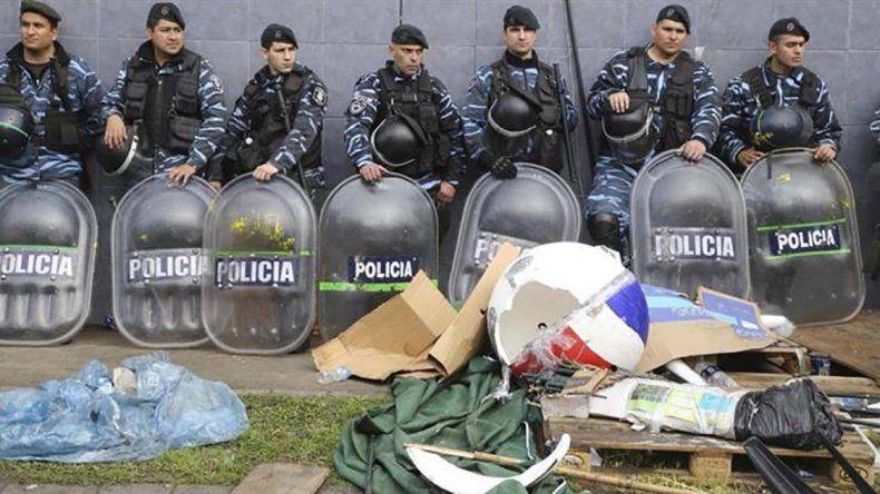 Todo el arco político opositor salió a repudiar el desalojo y la represión a los trabajadores.