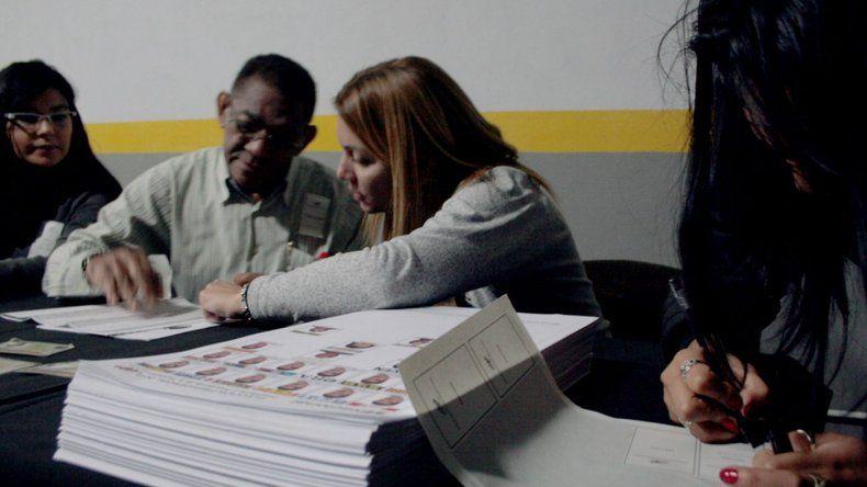Venezolanos que residen en esta ciudad también votarán la consulta popular