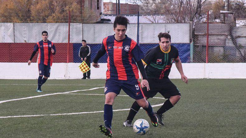USMA viene de golear 3-0 al Deportivo Portugués y de esa manera quedó como único líder del Ascenso.